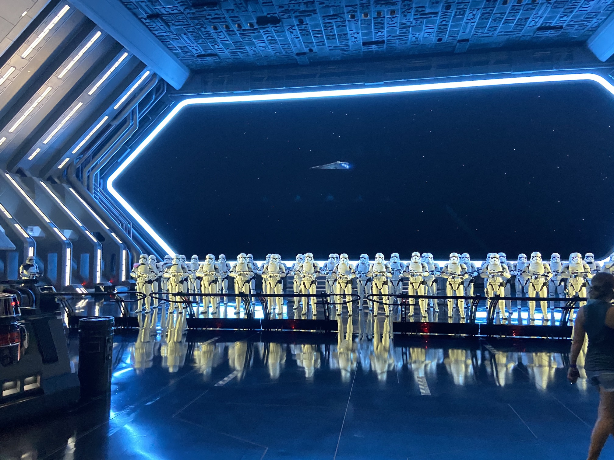 Star Wars Galaxy's Edge - Rise of the Resistance
